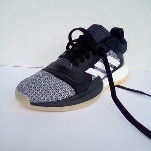 AdidasSz. 7.5 Marquee Boost Low Black Gray Basket